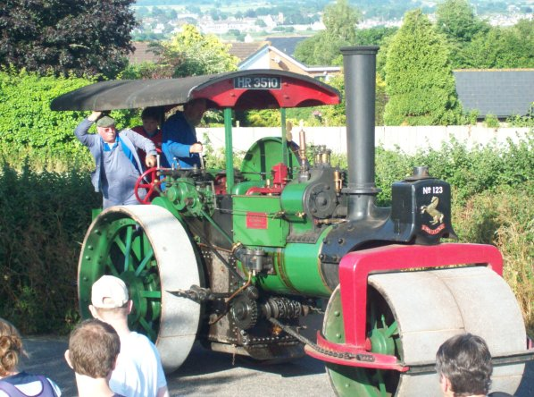 Traction Engine Action